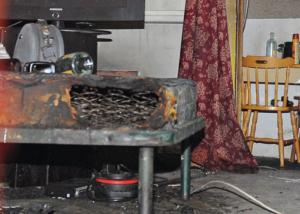 L'appartamento di Brenda, i segni dell'incendio