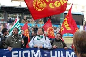 fiat-pomigliano-fiom-protesta-sanremo1_142388