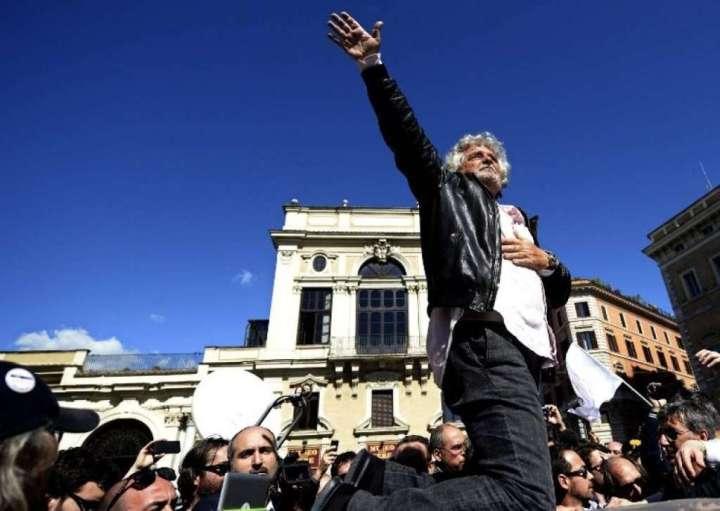 img1024-700_dettaglio2_big_Grillo-alla-manifestazione-di-Roma-contro-Napolitano
