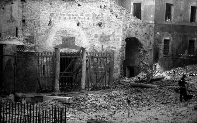 Attentato alla Chiesa di San. Giorgio al Velabro  Attack on the Church of St.. George in Velabro