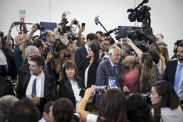 Mafia Roma: Raggi, malaffare resta in agguato, guardia alta